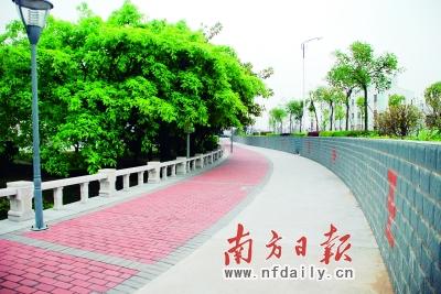 幸福指数:★★★★★     看点:围水吹吹风     位于小榄江滨公园