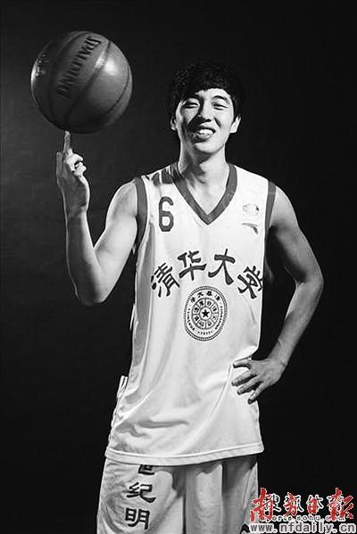 他是第一个签约AJ的中国篮球明星你知道是谁吗?