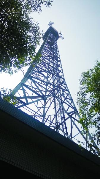 4g信号塔建在屋顶图片