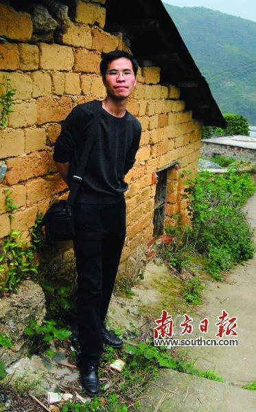 当时,乡村文化生活极为贫乏,要想多读些课外书简直是奢侈.