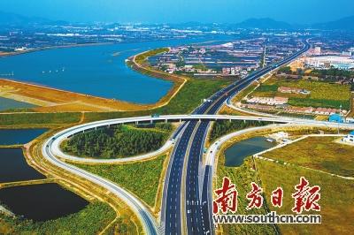 广东 县县通高速 全面小康提挡增速