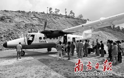 2014年2月16日,尼泊尔航空公司一架小型飞机在尼北部偏僻山区坠毁,机