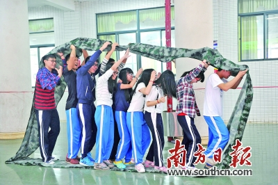 让学生心灵洒满阳光_第hc04版:惠州观察·成长周刊