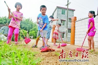 只有4名孩子经常帮父母做家务