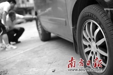 轮胎企业也表示无须担心,只需拔掉扎入的钉子,不用担心对于自修复功能图片