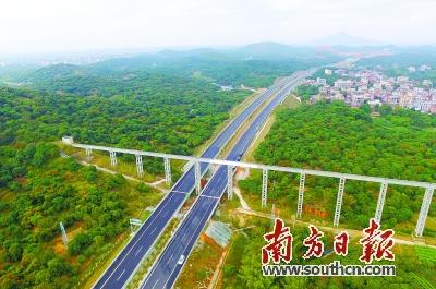 包茂高速公路粤境段由南向北串联茂名.资料图片-三大抓手精准发力