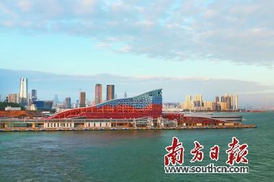 由荒野滩涂蝶变为现代新城,深圳前海蛇口自贸片区已成为我国发展最快