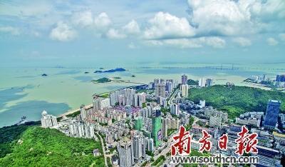 以产业交通城市为三大重点,珠海正努力迈上发展新台阶.