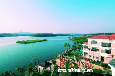 目前假日半岛在售的别墅组团,弥补市场供求的长期空缺,低于广州市区非
